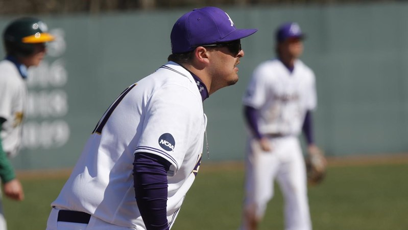 Robberts' Game 2 Cycle Helps Eagles Split With Wayne State Again - Ashland University